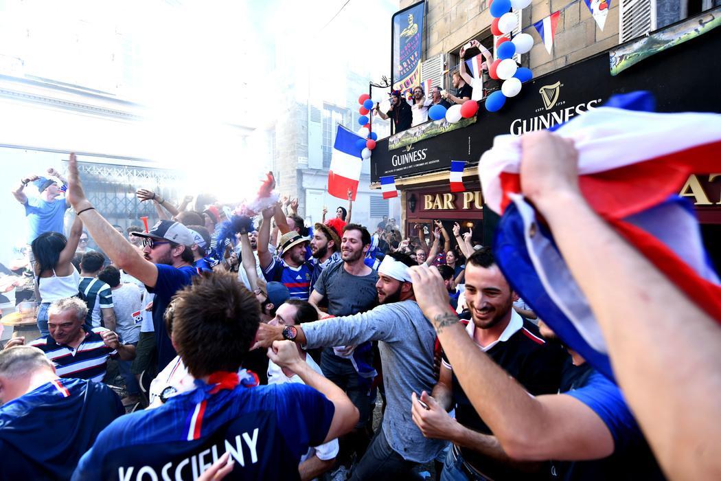 ambiance-quart-finale-coupe-monde-foot_3881526